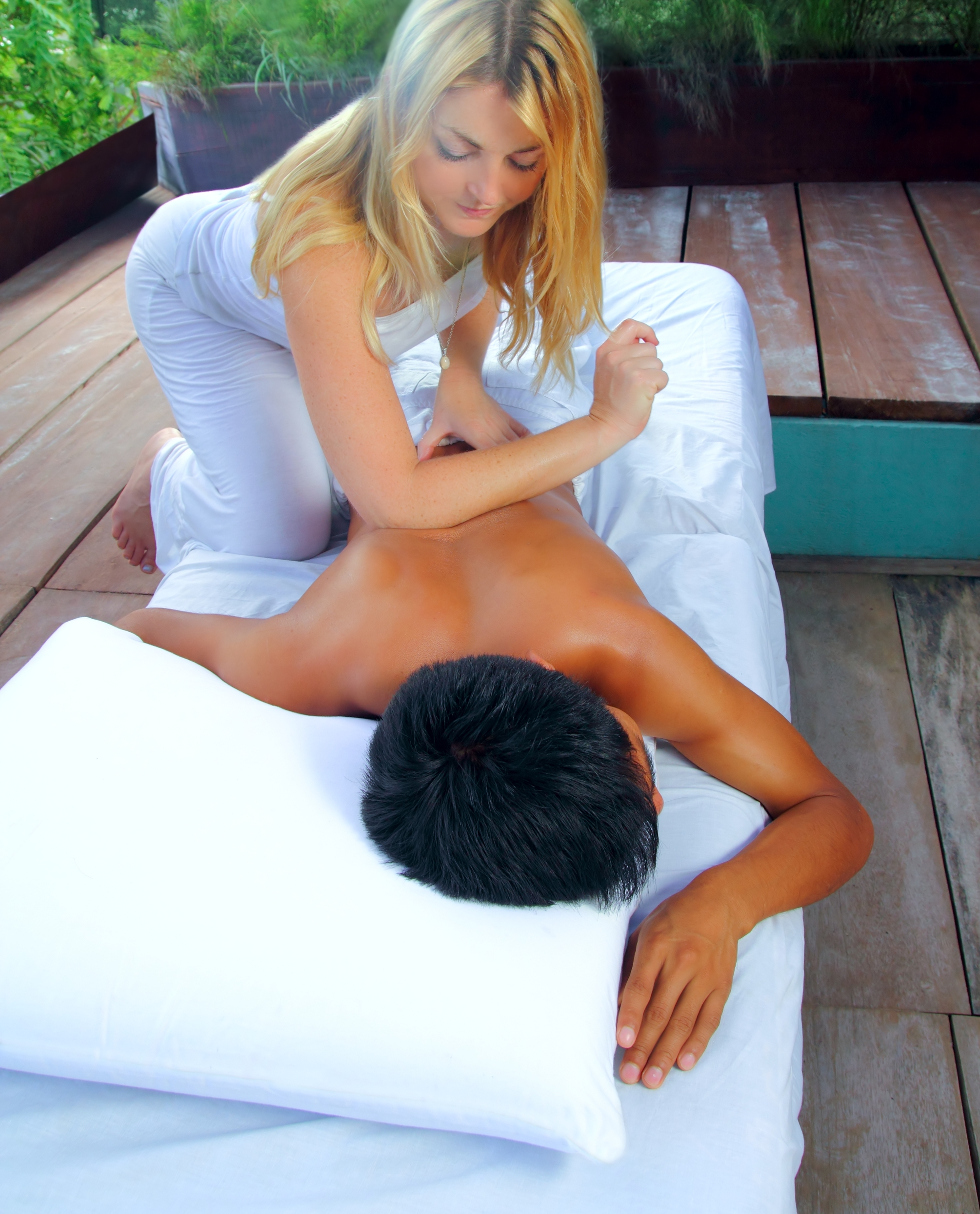The Benefits of Massage for Lower Back and Neck Pain