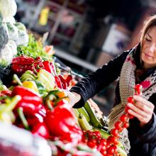 Organic vs. Non-GMO food